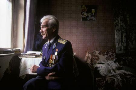 UMRO ZABORAVLJENI HEROJ ČOVEČANSTVA – Stanislav Petrov: Čovek koji je sprečio nuklearni rat!